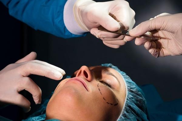 genesis-clinic-dr-gongora